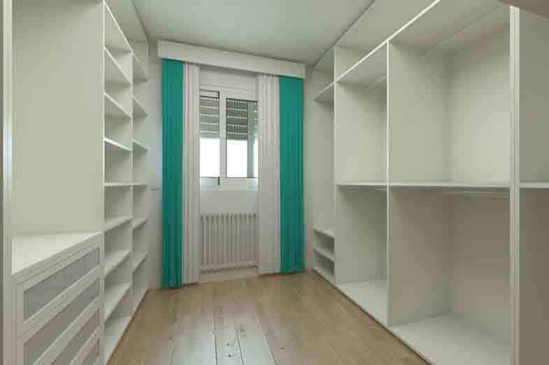 vestavěná skříň na míru v Plzni